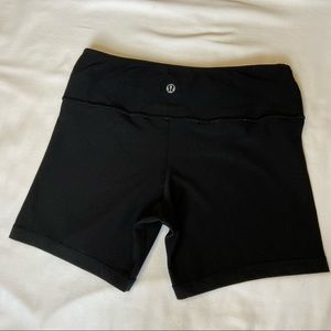 Lululemon Reversible Groove Short